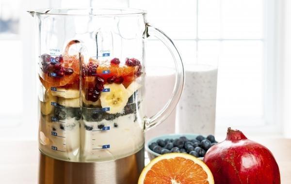 DIY smoothie,懂得選擇生果及加入其他有用元素,更有美肌的功效!圖/s...