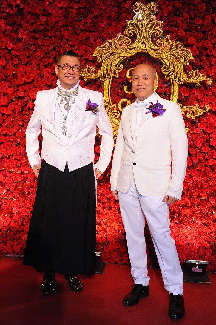 近日台灣時尚圈的大事,莫過於「台灣時尚教父」洪偉明和服裝設計師呂芳智的同志婚禮,...