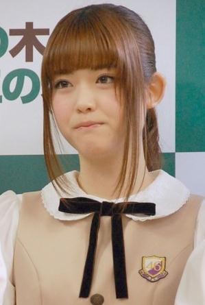 松村沙友理公開解釋與人夫搞不倫戀,打扮如清純的高校女生。圖/摘自搜狐娛樂