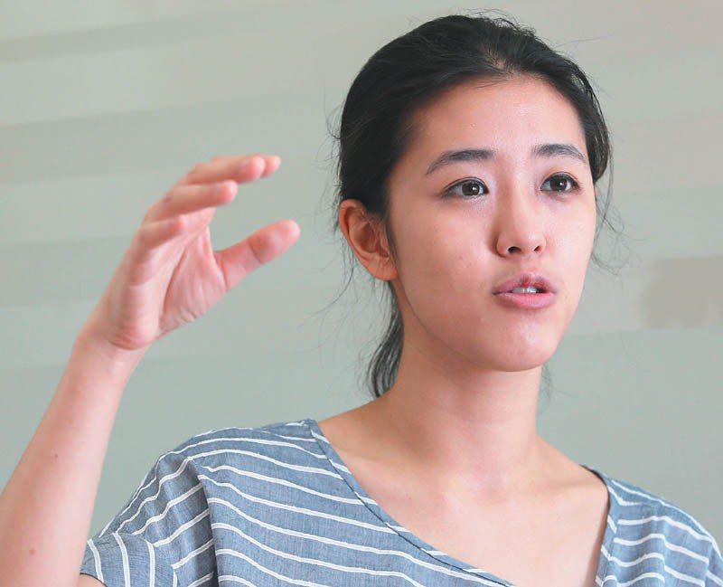 為台灣而教理事長劉安婷認為必須與教育體制站在同一陣線,與體制內無奈的專業教育者一...