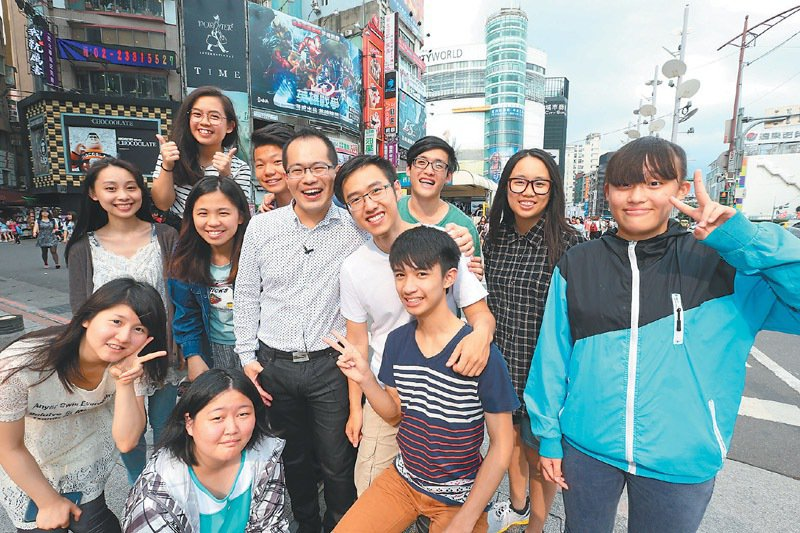 位在台北西門町的夢想之家,可讓上英數理化、街舞等免費課程,很受青少年歡迎。 記者...