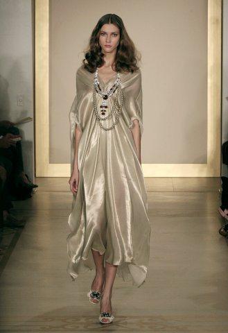 Reem Acra晚裝以優雅、典雅風格著稱。圖/路透