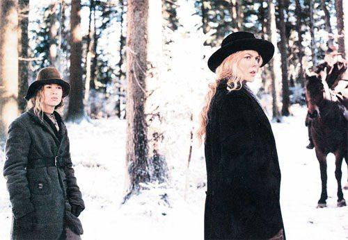 電影《冷山》中的妮可基曼與瑞妮琪薇格。圖/博偉提供
