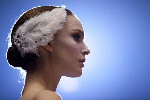 娜塔莉波曼於電影中的服飾,由知名Rodarte姊妹操刀,採用超過25萬顆水晶。圖...