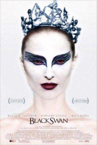 電影海報上的娜塔莉,震撼妝容展現十足戲劇張力。圖/福斯探照燈提供