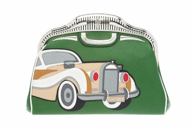 PRADA春夏用不同顏色皮革拼貼出汽車圖案包款、81,500元。圖/PRADA提...