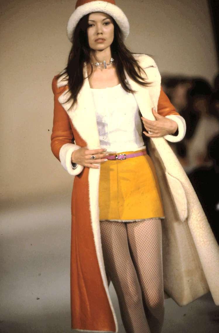 MARC JACOBS擅長將紐約的流行揉合法國的高雅,打造女性個性風格。圖/MA...