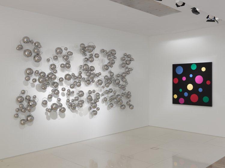 日本國寶級藝術家草間彌生於LV倫敦旗艦店辦展。圖/LV提供