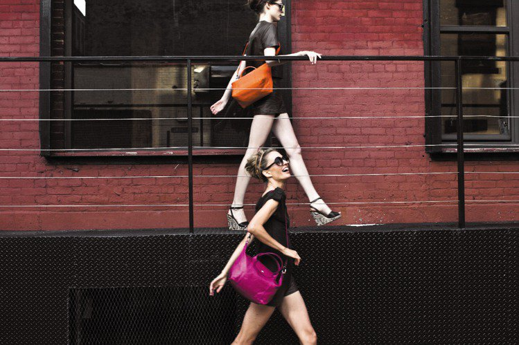 Longchamp去年業績飆漲2成,今年找超模Coco Rocha以舞蹈潮流重新...