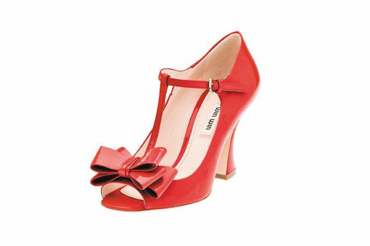 miu miu台北101旗艦店限定款,蝴蝶結瑪麗珍鞋、22,500元。圖/miu...