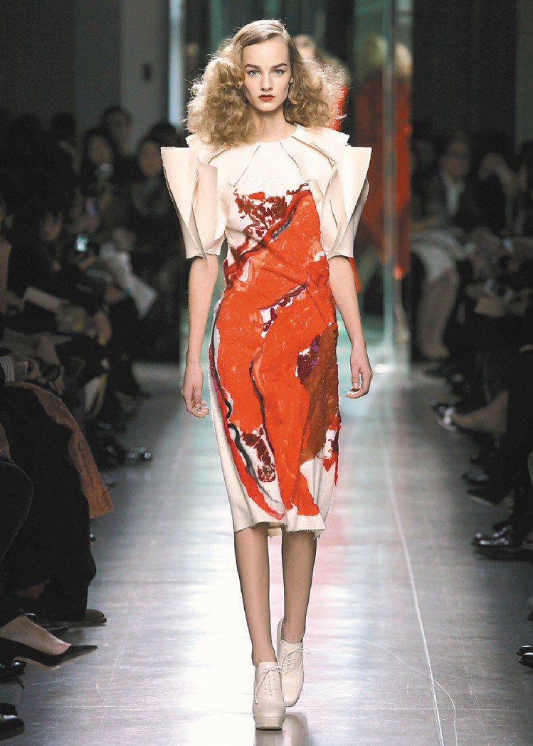 BOTTEGA VENETA秋冬女裝著重比例、精準的設計。圖/BV提供