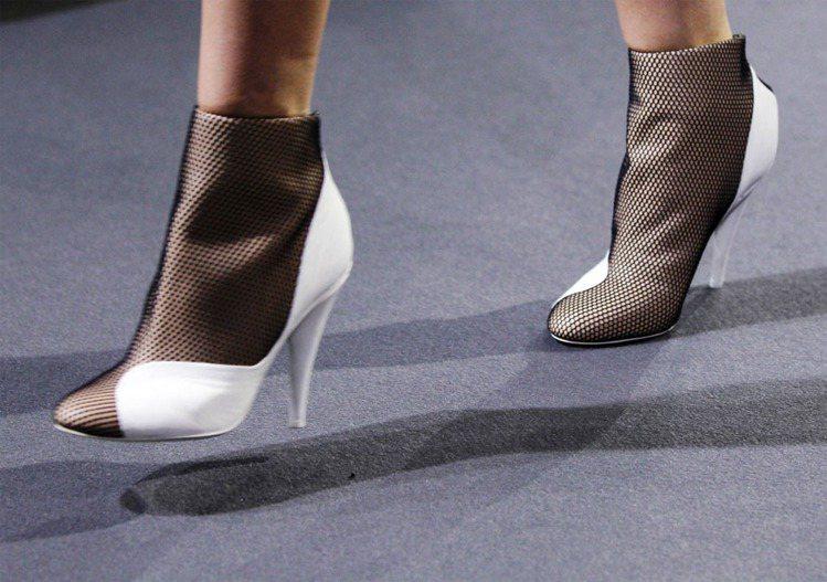 3.1 Phillip Lim推出的鞋、包都很受歡迎。圖/路透