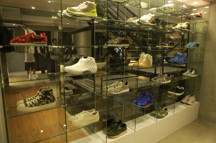 JUICE Taipei升級回歸開啟全新篇章,帶來更多頂級鞋款。圖/JUICE ...