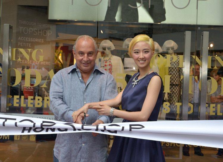 英國快速時尚品牌TOPSHOP正式進軍大中華市場,首家門市6日在香港中環開幕。品...