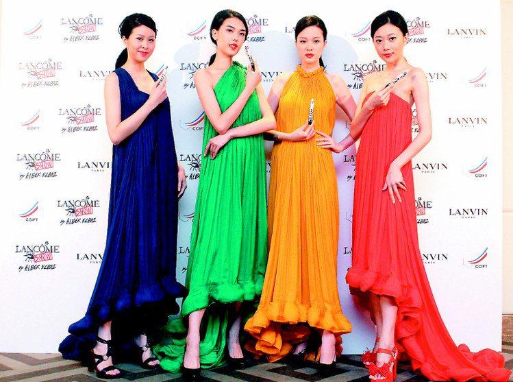 LANVIN與LANCOME聯名彩妝昨晚與服裝秀同步發表。記者屠惠剛/攝影