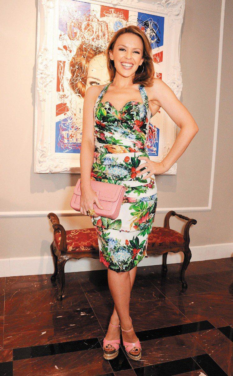 凱莉米洛出席Dolce & Gabbana倫敦男裝店開幕活動。圖/CFP