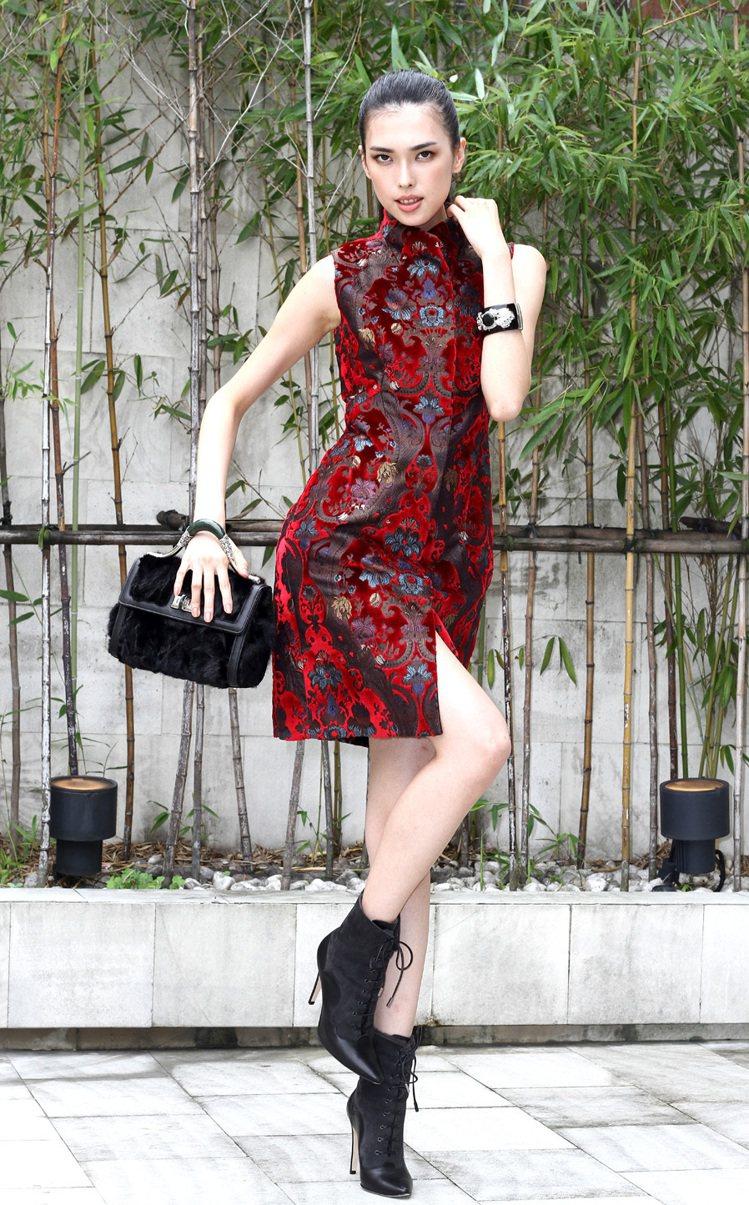 夏姿發表2013秋冬系列,收腰合臀剪裁女裝系列。記者蘇健忠/攝影