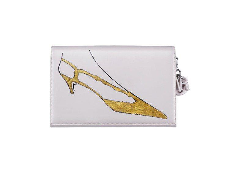 Dior淡粉色安迪沃荷繪圖手拿包,售價約18萬5,000元。圖/Dior提供