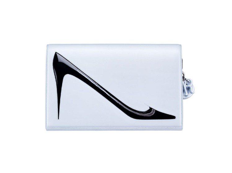 Dior白色安迪沃荷繪圖手拿包、售價約135,000元。圖/Dior提供
