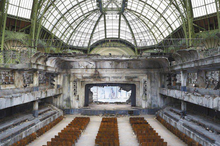 香奈兒高級訂製服秀,在巴黎大皇宮登場。圖/CHANEL提供