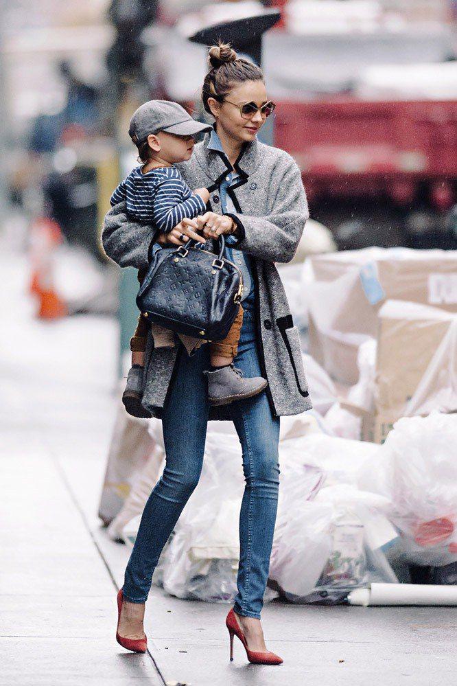 米蘭達柯爾身穿Isabel Marant外套。圖;文/美麗佳人提供
