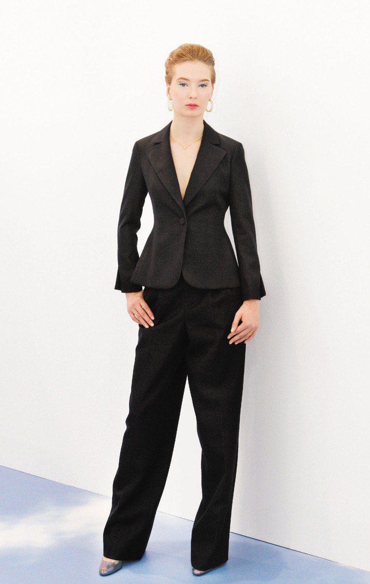 Dior秋冬女裝黑色簡潔外,能看出細緻剪裁。記者蘇健忠/攝影