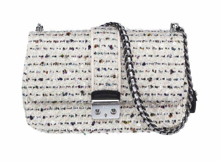 Dior Miss Dior經典米白色花呢手提包,10萬元。圖/Dior提供
