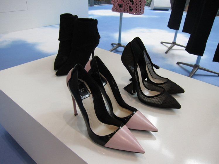 尖頭鞋依然是秋冬主流。記者李盈儀/攝影