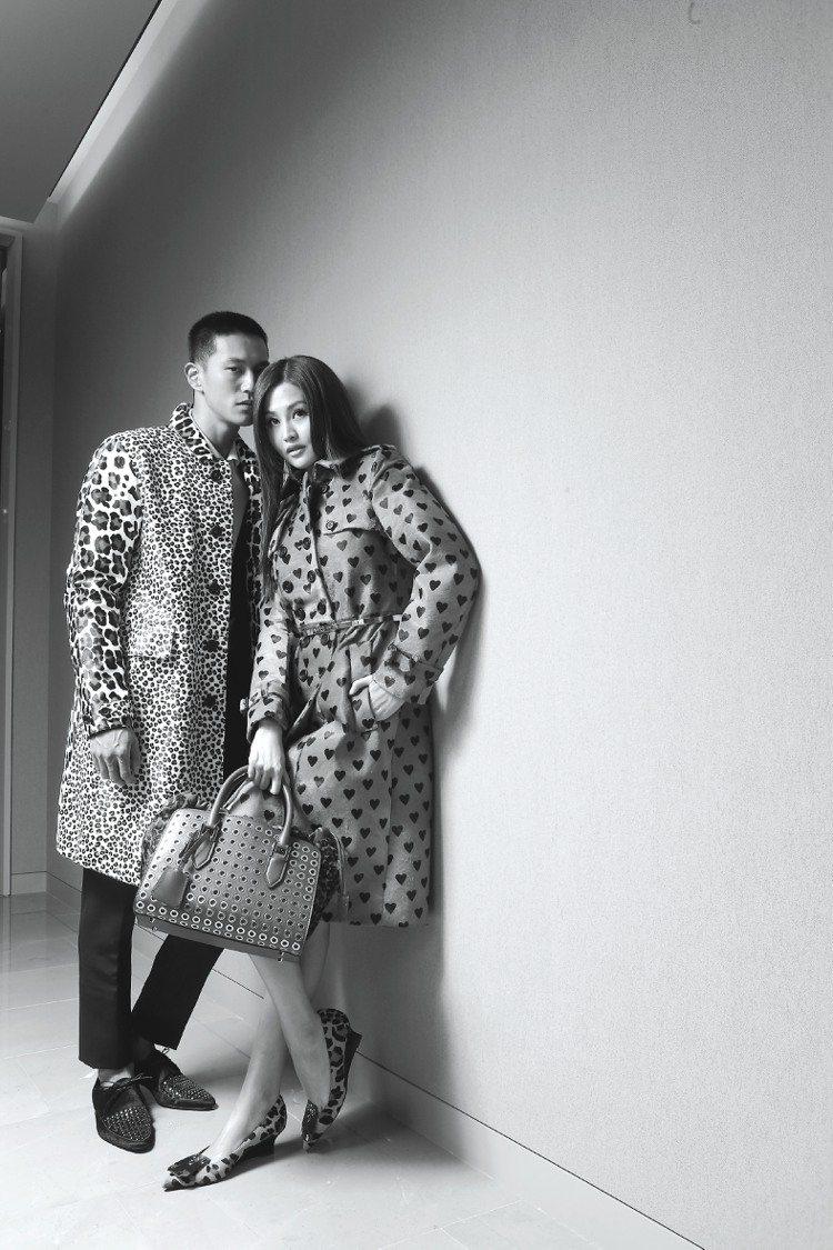 BURBERRY的愛心設計,讓林葦茹(右)願為男友穿情侶裝。記者陳立凱/攝影