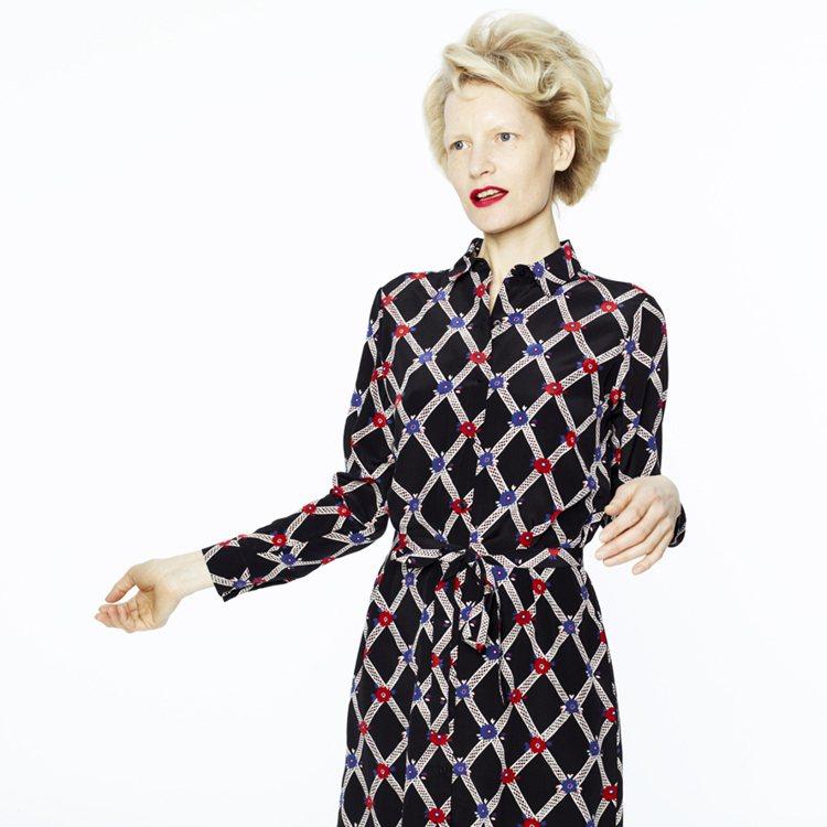 全新推出的Silk絲系列,把女人味的設計透過柔軟的絲質布料帶給OL們更多元化的優...