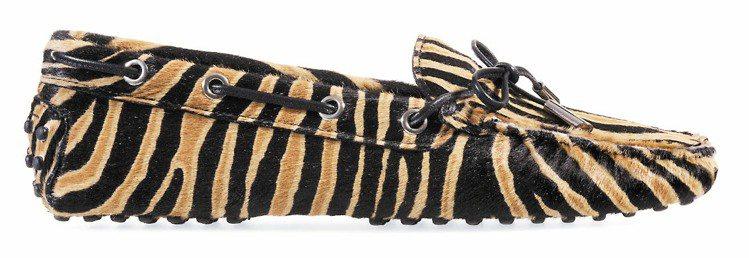 馬毛斑馬紋豆豆鞋、23,800元。圖/TOD'S提供