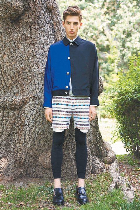 2014春夏男裝,對比孩堤純真和成人內斂,緊身褲配短褲,街頭潮流隱喻為潛藏在內心...