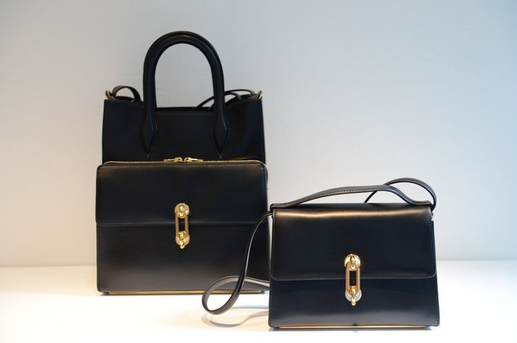 「Maillon」包簡約又帶著前衛的設計,迎合新時代女性。圖/Balenciag...