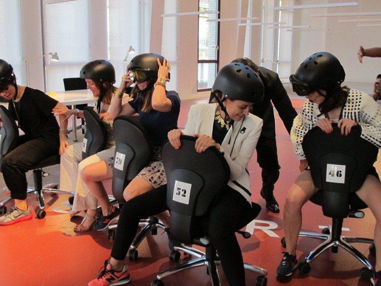 「滑輪椅大賽」是最受歡迎的比賽項目。記者陶福媛/攝影