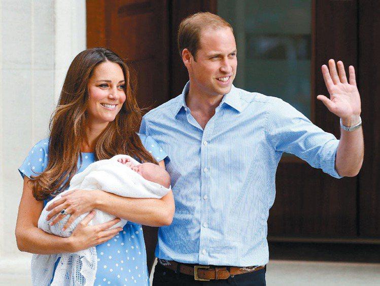 威廉和凱特(左)的「劍橋小王子」─喬治(George Alexander Lou...