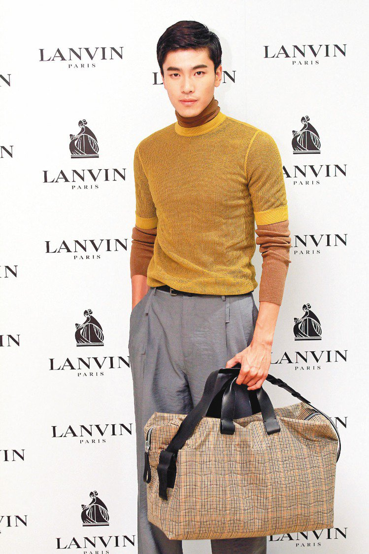 LANVIN男裝,打造充滿書卷味的斯文風格。記者陳柏亨/攝影