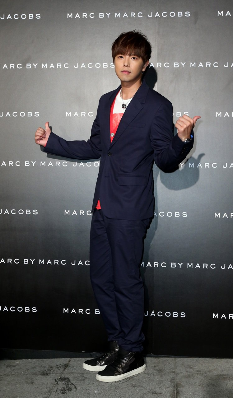 MARC BY MARC JACOBS 舉行2013秋冬發表,邀請藝人黃鴻升出席...