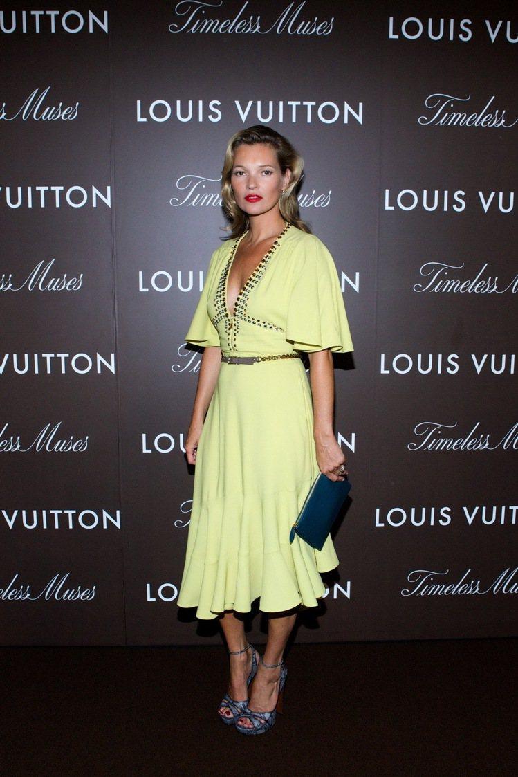 凱特摩絲穿LV明年早秋小洋裝現身東京。圖/LV提供