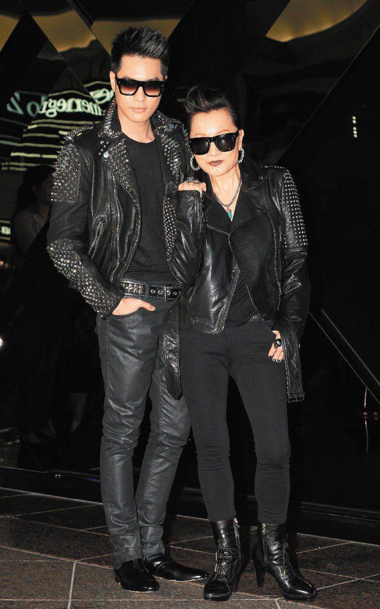 比莉(右)和周湯豪母子一同出席BURBERRY演唱會。記者陳柏亨/攝影
