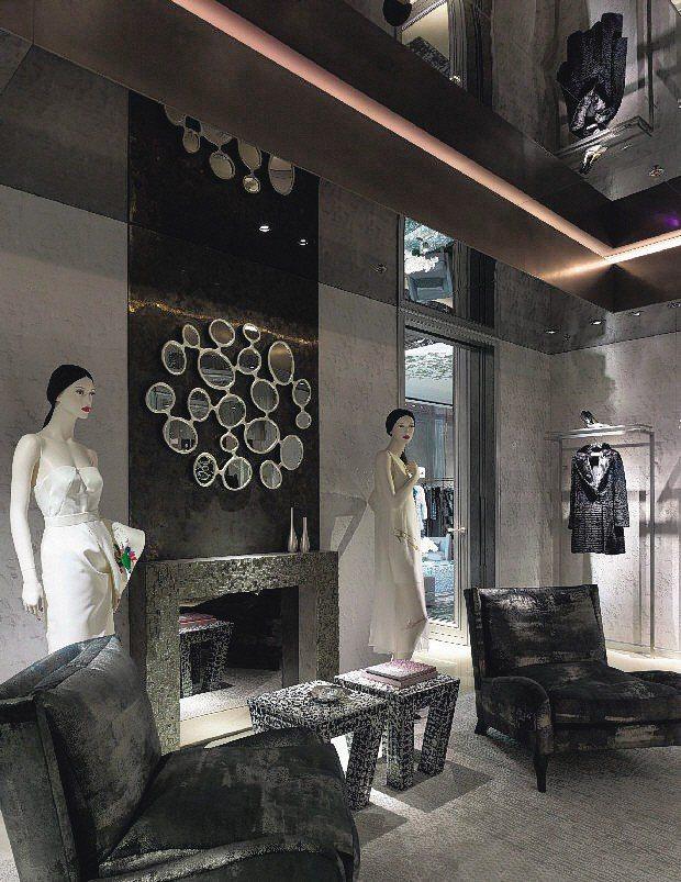 Dior在香港置地廣場開設2層樓旗艦店,以更精緻的內裝與藝術品打造。圖/Dior...