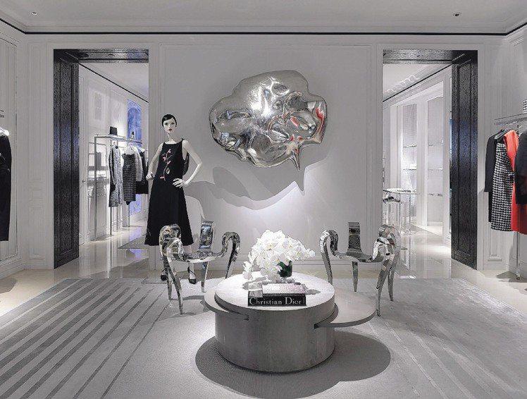 Dior在太古廣場開設大型旗艦店,優雅美麗。圖/Dior提供