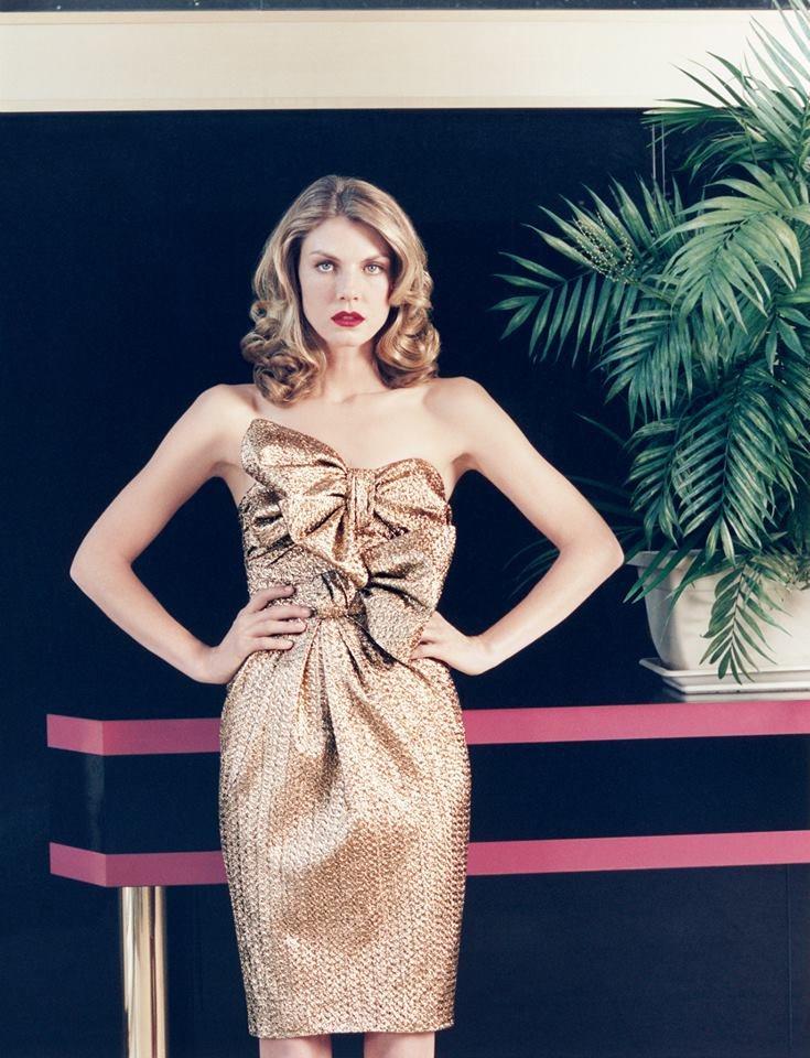 法國PAULA KA女裝,擅用蝴蝶結元素凸顯女人味。圖/PAULA KA提供