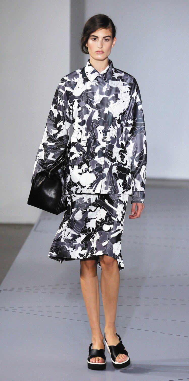 Jil Sander春夏印花新裝讓人眼睛一亮。圖/美聯社