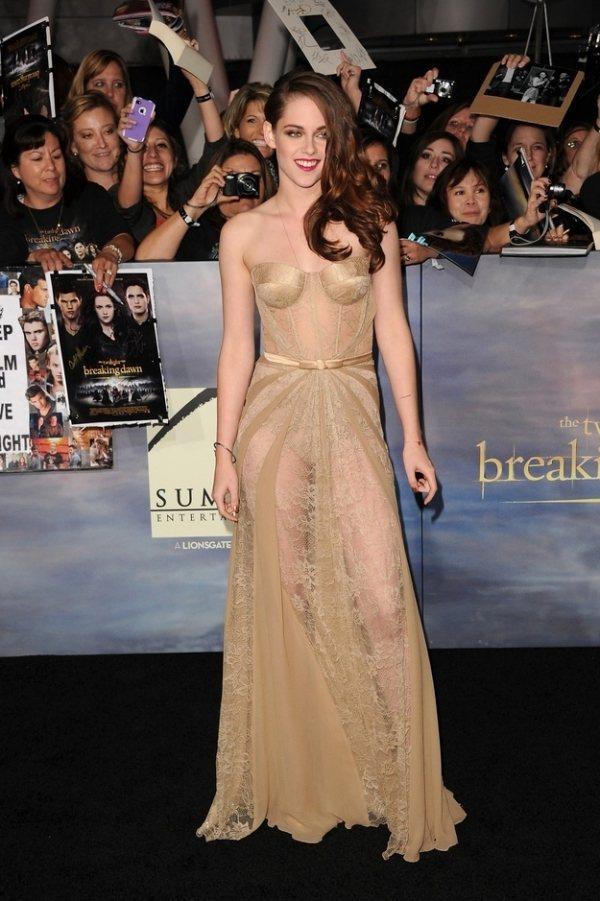 暮光女克莉絲汀史都華也是透視裝愛好者。圖/she.com Taiwan提供