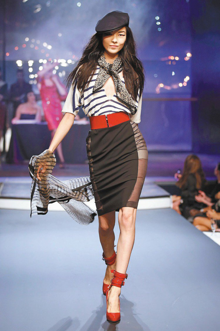 Jean Paul Gaultier春夏新裝熱情又性感。圖/路透
