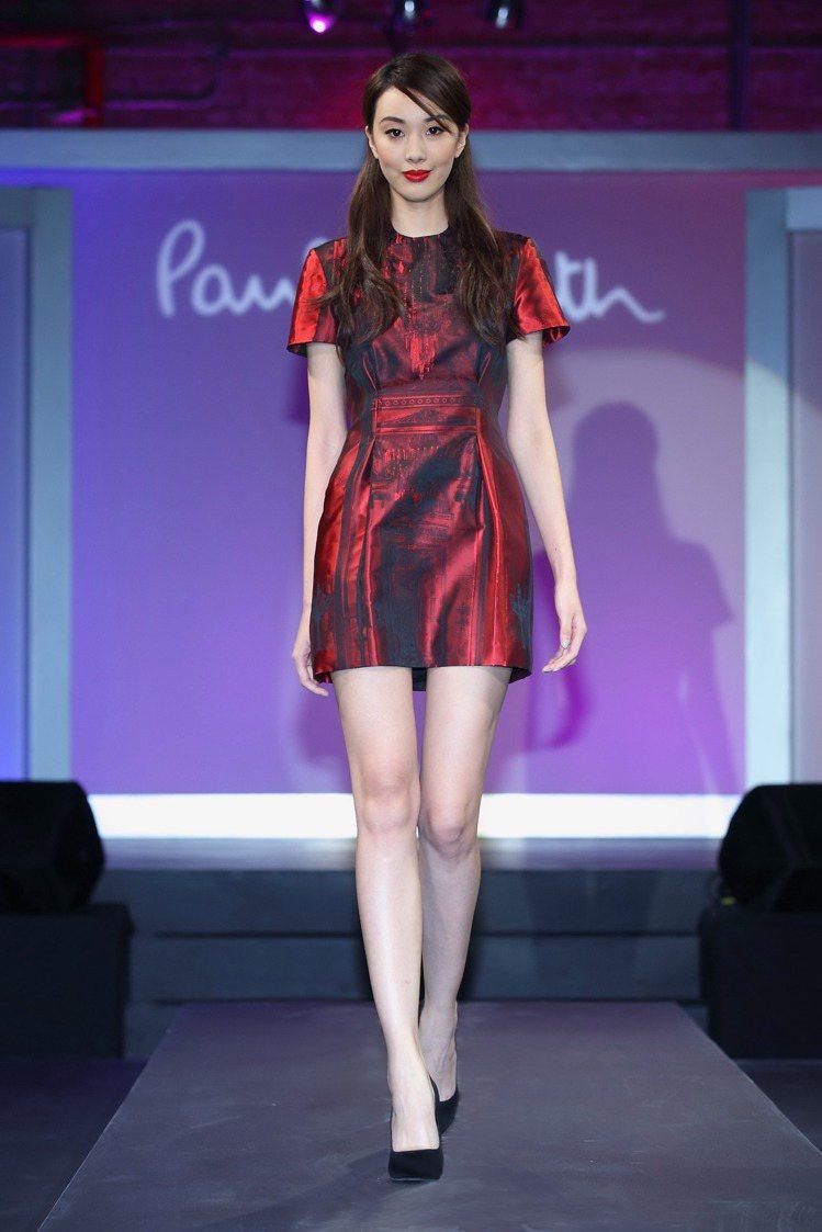 模特兒演繹「Paul Smith 2013秋冬女裝系列」。圖/Paul Smit...