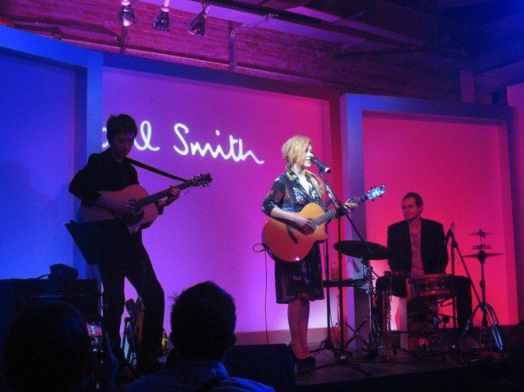 Paul Smith請到金曲歌后蔡健雅壓軸帶來一場精彩的小型演唱會。記者吳曉涵/...