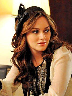 由蕾頓米絲特(Leighton Meester)飾演的富家女 Blair ,穿著...