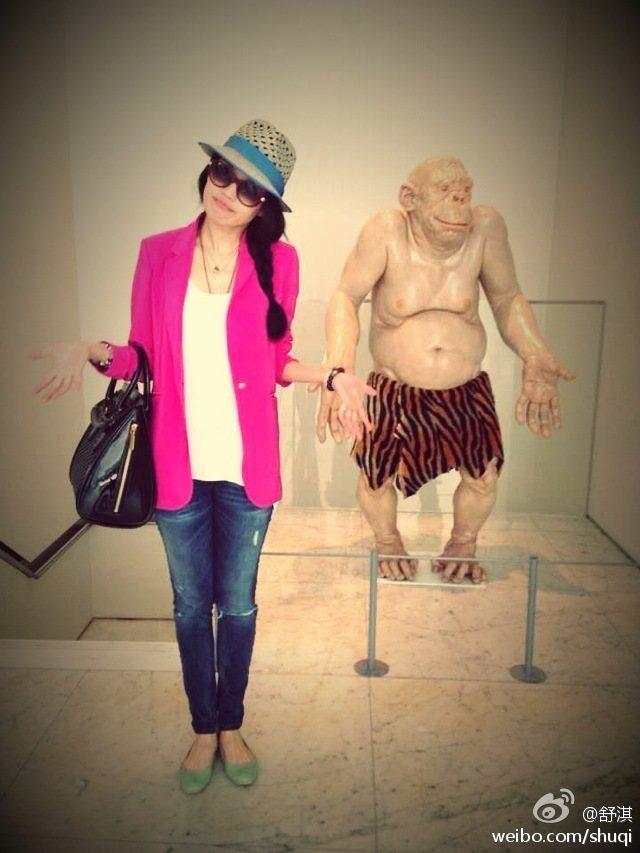 被視為性感代表的女藝人舒淇,私底下的穿搭其實偏向簡潔俐落的都會風格。圖/she....