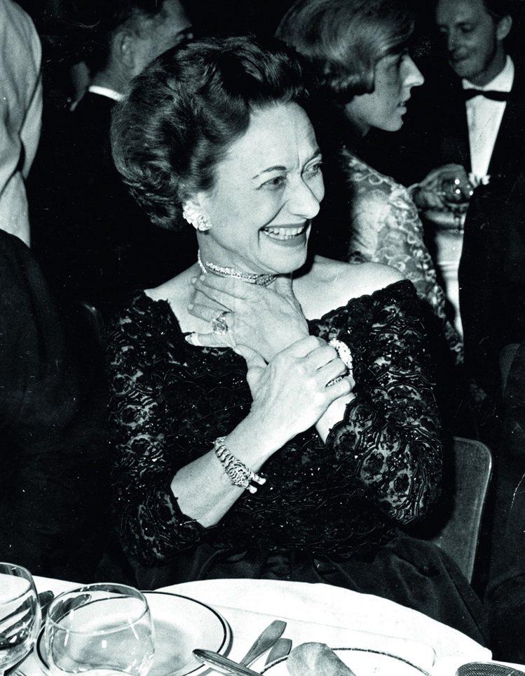 皇室名流和電影明星和時尚密不可分,溫莎公爵夫人最鍾情卡地亞美洲豹珠寶。圖/卡地亞...